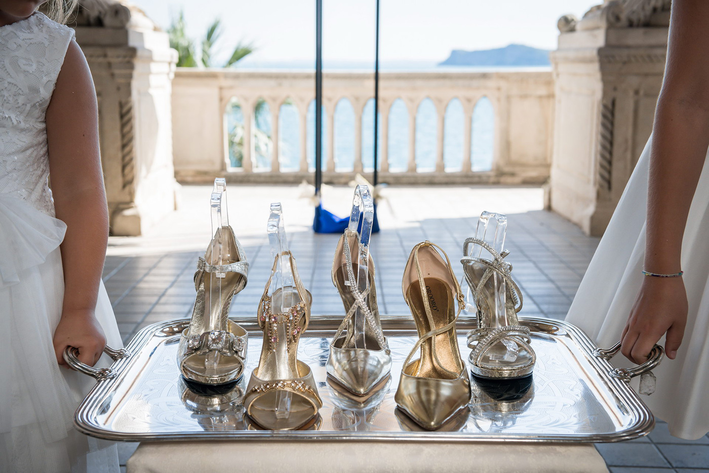 Photoshoot: Golden Shades of Water with Dress Galia Lahav House Couture and Luxury Shoes OROORO by Oronzo De Matteis